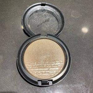 Mac extra dimension highlighter in double gleam